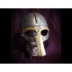 Helm Gjermundbu mit Maske aus Tjele